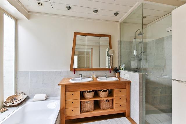 שיפוץ חדרי אמבטיה ושירותים במינימום תקציב