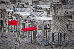 כסאות מעוצבים מבד