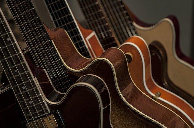 גיטרות בס